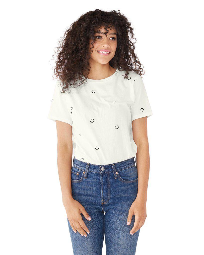 רק השם של החולצה הזו עושה חשק לקנות אותה - SMILE TEE, של המותג ban.do