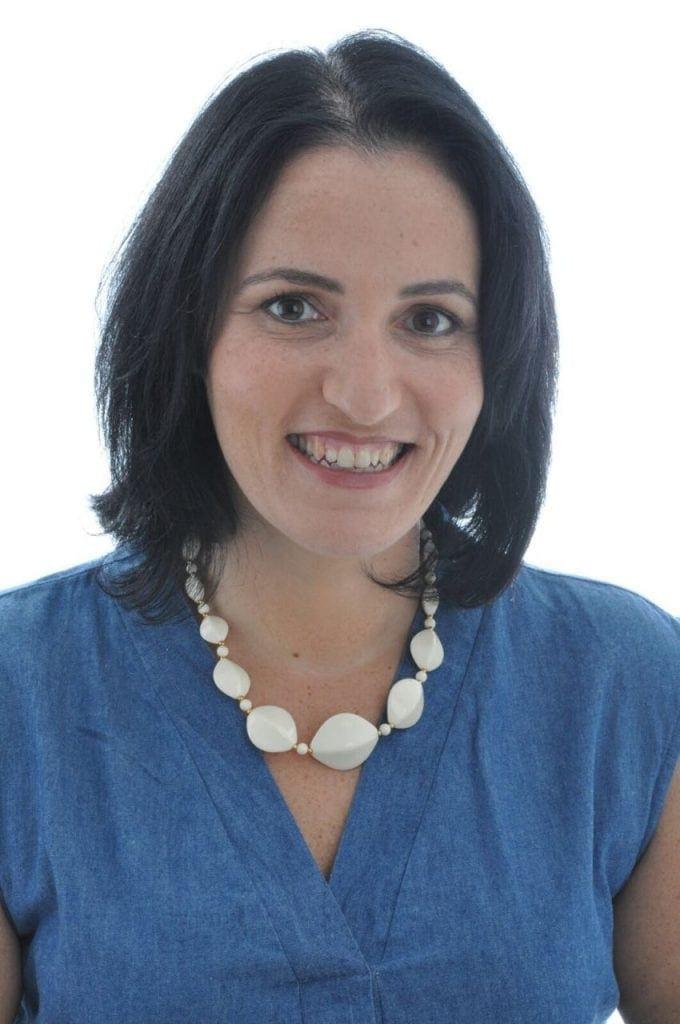 """אילנה גרינברג - דיאטנית קלינית ומטפלת NLP. בעלת """"חיים שקולים – סדר בצלחת, סדר בחיים"""