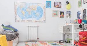 11 טיפים מצוינים שישאירו את רצפת חדר הילדים מסודרת